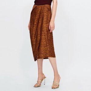 NWT Zara Pleated Jacquard Print Faux Wrap Skirt